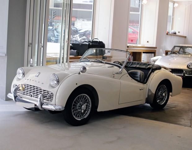 Main image of the car